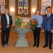 KGR-Präsident Hans Rothen mit Ehepaar Böhm am 14.3.2021 (Beatrice Moretto)<div class='url' style='display:none;'>/</div><div class='dom' style='display:none;'>kirchenregion-laupen.ch/</div><div class='aid' style='display:none;'>4208</div><div class='bid' style='display:none;'>14848</div><div class='usr' style='display:none;'>5</div>