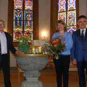 KGR-Präsident Hans Rothen mit Ehepaar Böhm am 14.3.2021 (Beatrice Moretto)<div class='url' style='display:none;'>/</div><div class='dom' style='display:none;'>kirchenregion-laupen.ch/</div><div class='aid' style='display:none;'>4208</div><div class='bid' style='display:none;'>14852</div><div class='usr' style='display:none;'>5</div>